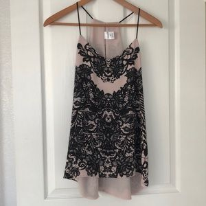 Beautiful Sleeveless Top - Black/Cream Lace Print
